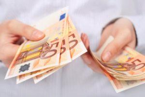 Какая средняя зарплата в Литве в 2021 году