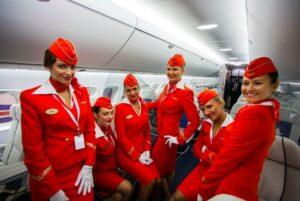 Какая зарплата у стюардессы в России в разных авиакомпаниях в 2019 году